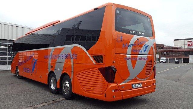 zájezdový bus