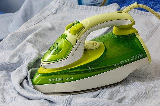 žehlička Philips.jpg